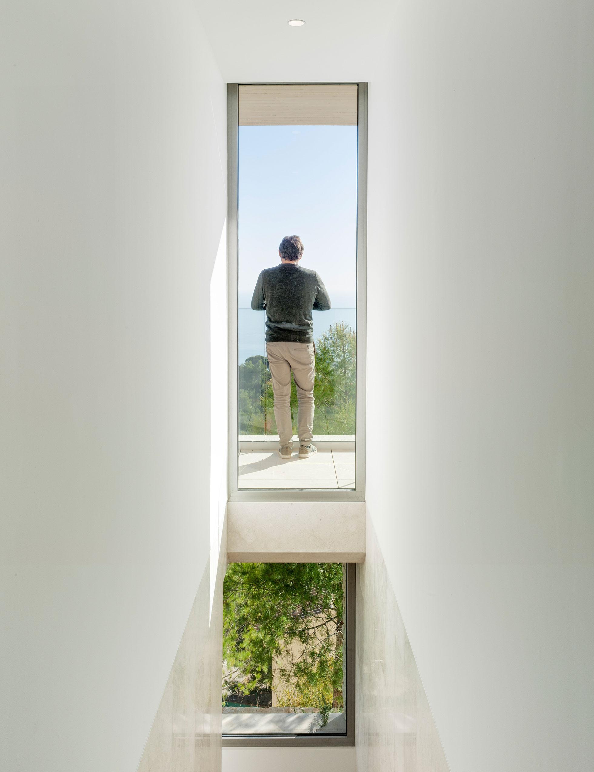 Vivienda Unifamiliar. Casa voladizo. Casa de Lujo Altea. Arquitectos Alicante. Arquitectos Altea. eneseis Arquitectura