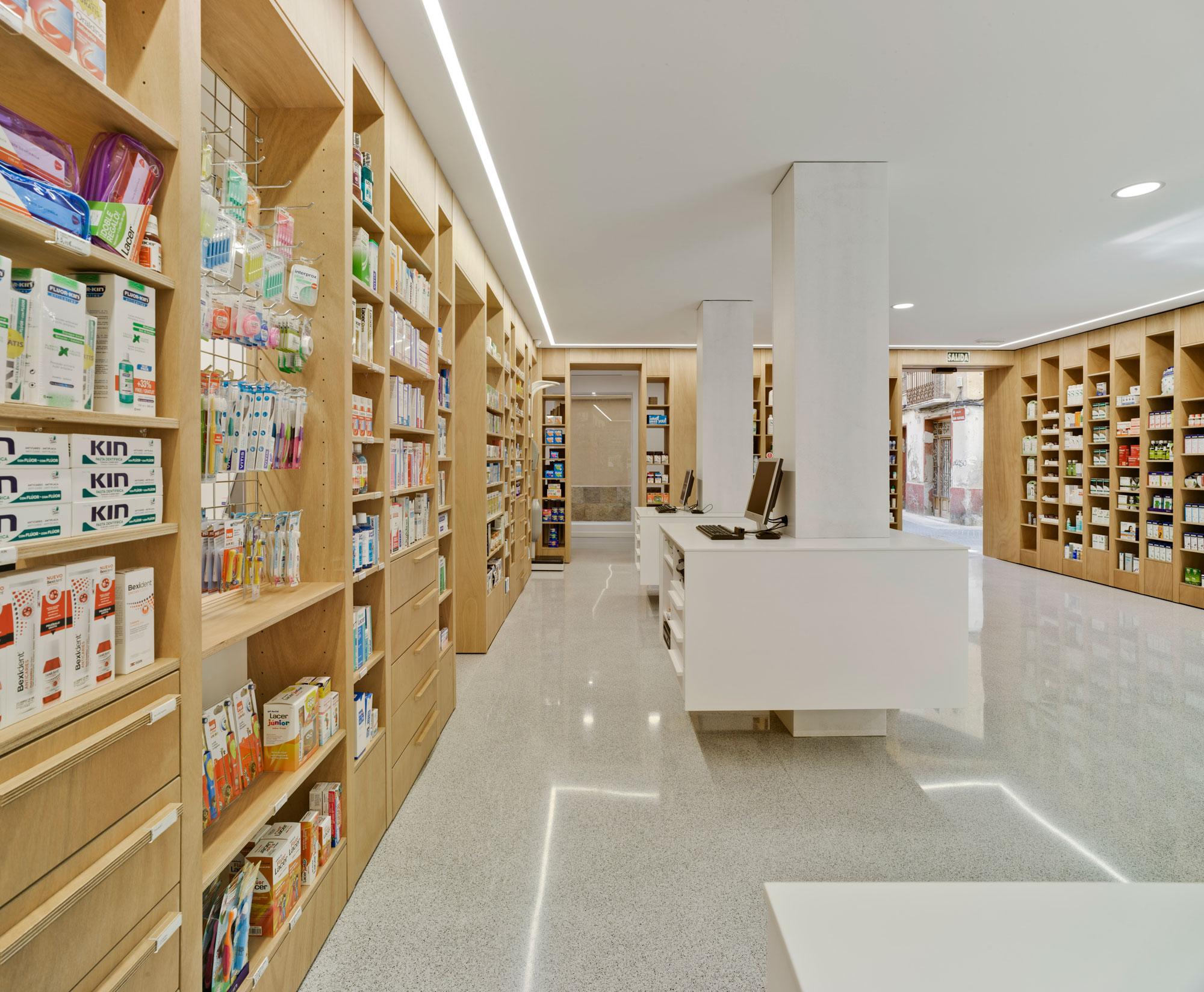 Farmacia del Reloj. Arquitectos Alicante. Arquitectos Aspe. eneseis Arquitectura